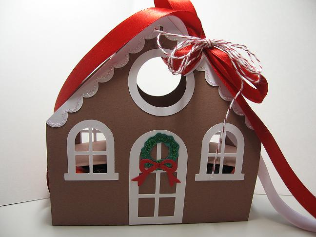 Gingerbread House Gift Bo | Craft on Cue on candy box, fireplace box, halloween box, biscotti box, tiramisu box, pig roast box, butterfly box, text box, cookie dough box, gumbo box, ornament box, church box, brownies box, panettone box, giveaway box, icing box, ginger box, cupcake house box, fudge box, rose box,